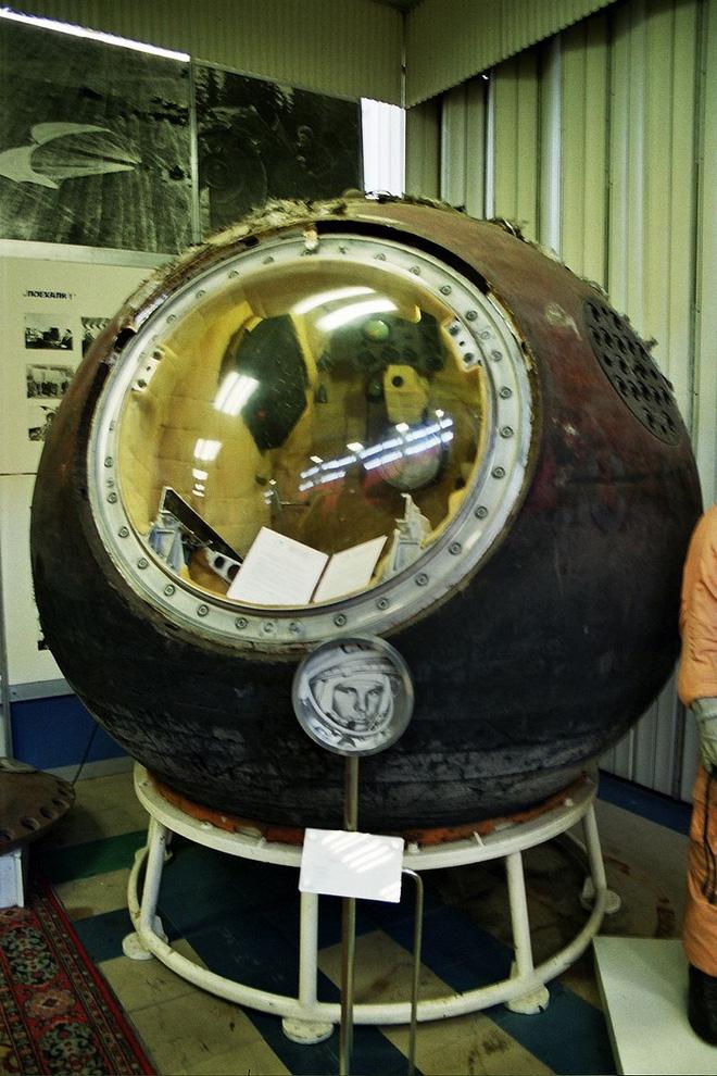 Chuyện chưa kể về bộ đồ du hành vũ trụ đầu tiên của nhân loại - Ảnh 12.