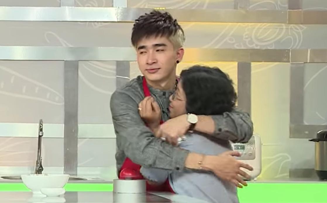"""Mẹ Chi Dân vừa qua đời: Từng lên gameshow vì con, liên tục gọi """"bé Hiếu"""" của mẹ"""