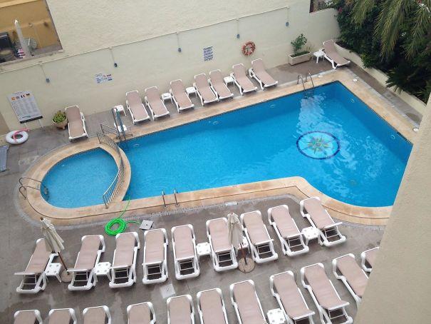 Khách sạn ngang ngược với những thiết kế khiến khách lưu trú nhìn thấy liền muốn nổi điên - Ảnh 3.