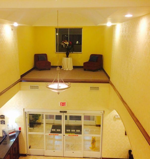 Khách sạn ngang ngược với những thiết kế khiến khách lưu trú nhìn thấy liền muốn nổi điên - Ảnh 5.