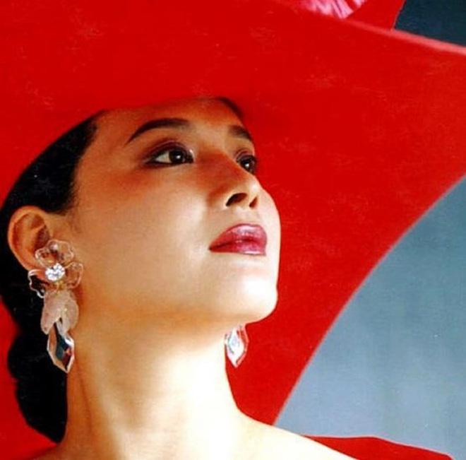 Nữ yêu tinh xinh đẹp, giàu có nhất đoàn làm phim Tây Du Ký 1986 - ảnh 3