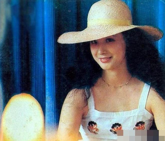 Nữ yêu tinh xinh đẹp, giàu có nhất đoàn làm phim Tây Du Ký 1986 - ảnh 4