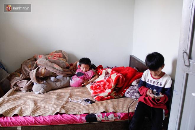 Vợ mất khi mang thai đứa con thứ 9, ông bố gà trống nuôi 8 đứa con thơ: Dù khó khăn, bố con mình vẫn nuôi nhau cho vui - Ảnh 7.