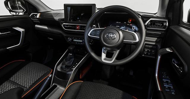 SUV cỡ nhỏ đua ra mắt Việt Nam: Sonet và Raize mở phân khúc giá rẻ, CX-30 cạnh tranh Corolla Cross - Ảnh 10.