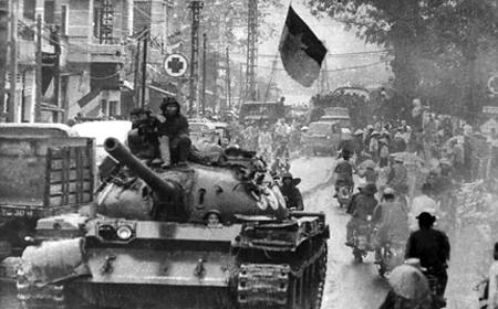 Thần tốc hành quân giải phóng Sài Gòn: Những cuộc gặp gỡ bất ngờ của kíp xe tăng 814 - Ảnh 2.