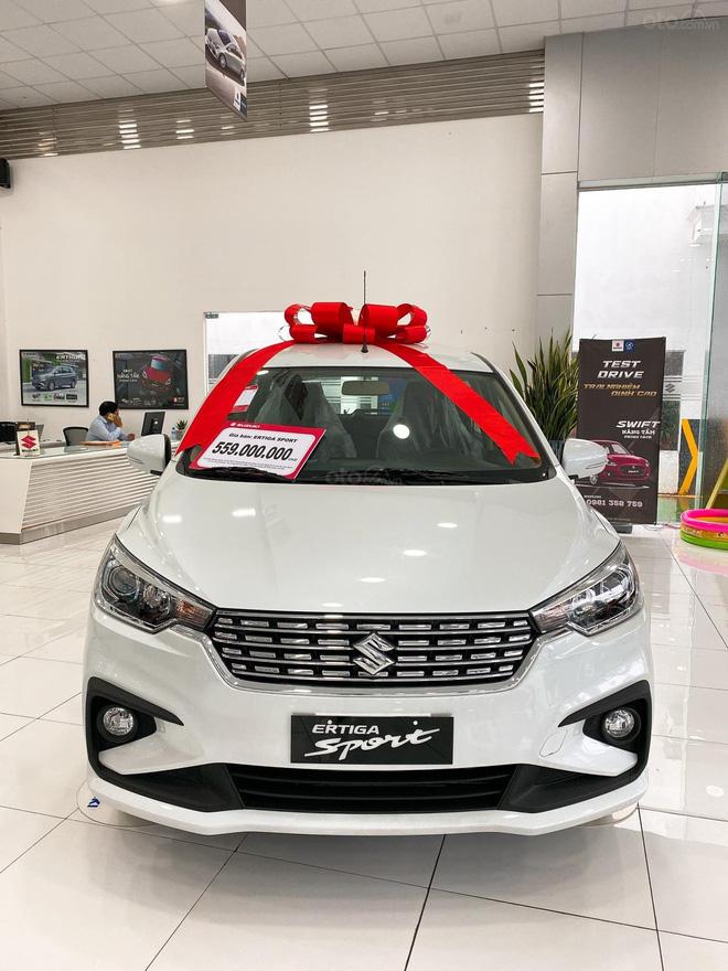 Bị Xpander vượt xa, Suzuki Ertiga Sport ồ ạt giảm giá 50 triệu đồng tại đại lý - Ảnh 2.