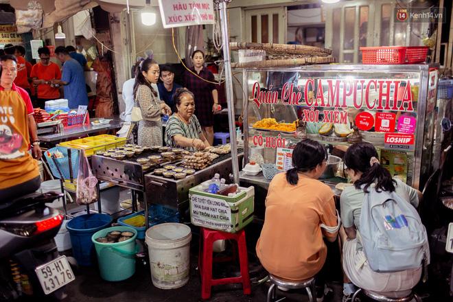 Khu chợ ẩm thực đã vào là không có đường ra ở Sài Gòn: Phần vì đồ ăn ngon, phần vì… đông muốn ná thở! - Ảnh 6.