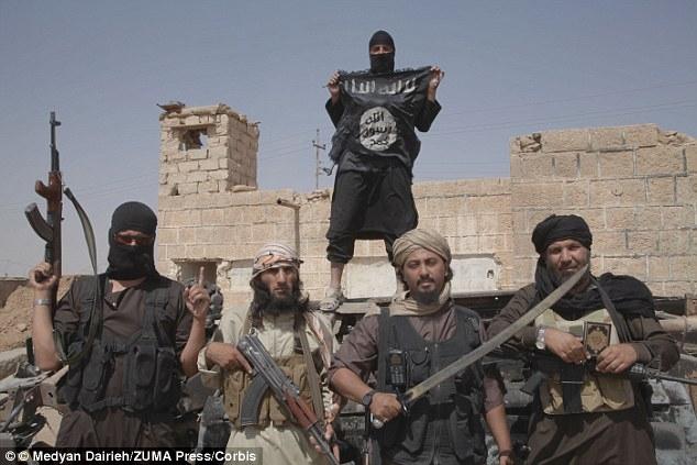 """Bất ngờ bị đánh úp, IS chết như ngả rạ dưới đòn """"thù"""" của Nga ở Syria - Ảnh 1."""