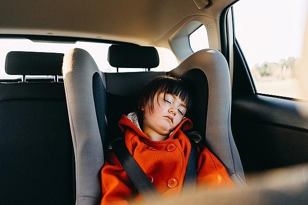 Hai anh em ruột bị chết ngạt trên xe, người nhà đã đi ngang qua nhiều lần nhưng vẫn không phát hiện ra: Gia đình có con nhỏ đặc biệt lưu ý, nhất là trong mùa nắng nóng! - Ảnh 1.