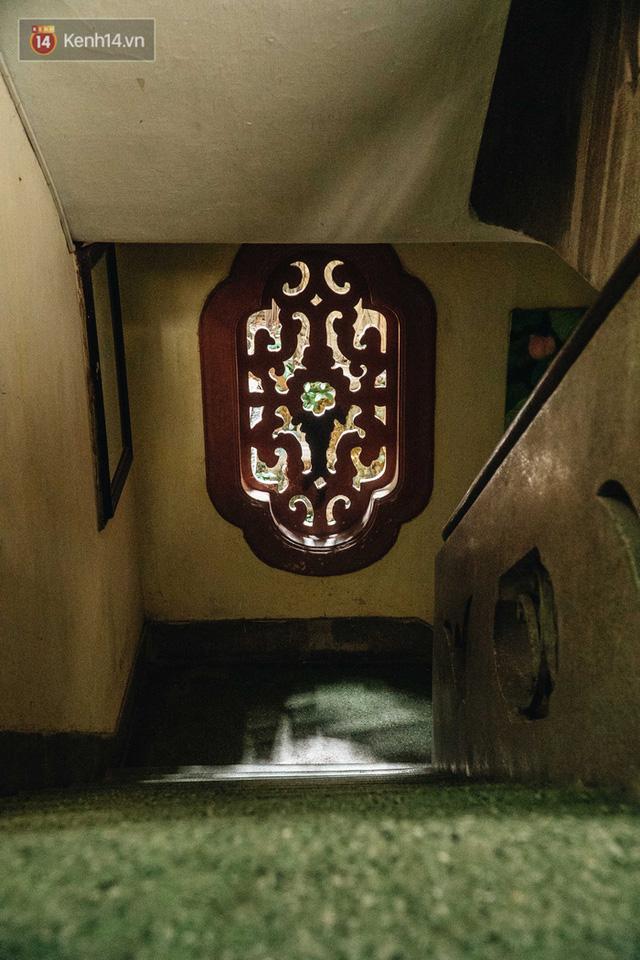 Ngôi nhà 80 năm tuổi, rộng gần 300m2 giữa phố cổ Hà Nội: Trả trăm tỷ không bán, bên trong có hầm chứa được 20 người - Ảnh 15.