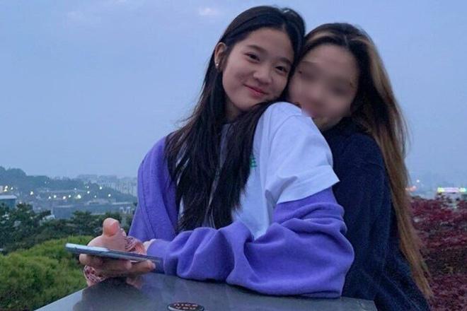 """Tiểu công chúa đế chế Samsung: Chiều cao khủng, bức ảnh cầm iPhone làm dậy sóng MXH và loạt fact ít ai biết về """"biểu tượng rich kid Hàn Quốc"""" - Ảnh 14."""