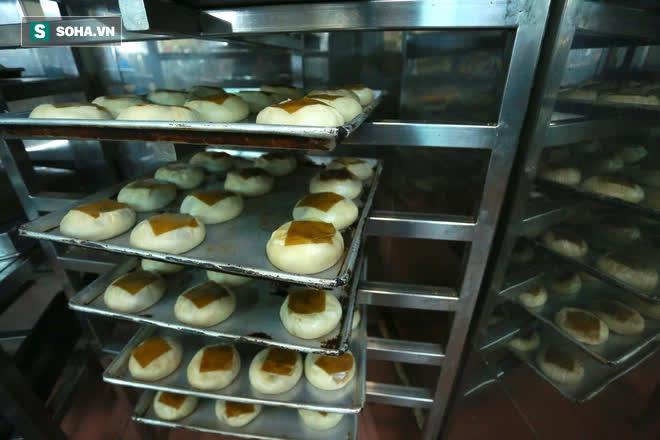 Tiệm bánh pía 73 năm của người Hoa làm ra chiếc bánh độc nhất trên thị trường thế nào? - Ảnh 12.