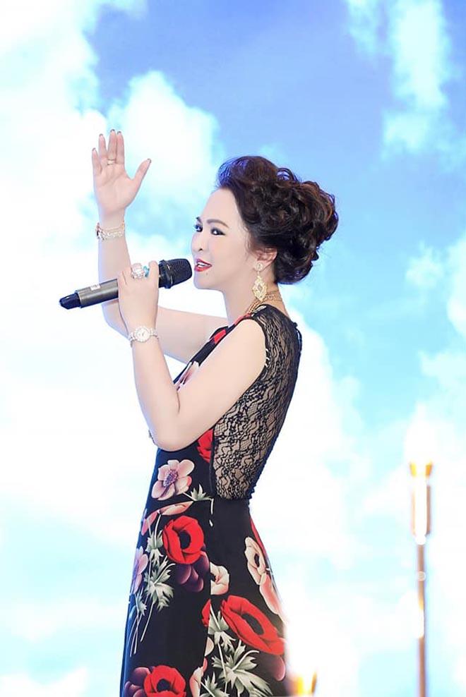 """Sở thích đặc biệt của đại gia Nguyễn Phương Hằng, là vợ ông Dũng """"lò vôi"""" - Ảnh 5."""