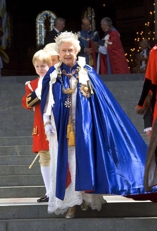 4 món quà chất đầy tâm tư mà Hoàng thân Philip tặng cho Nữ hoàng Anh, trở thành kỷ vật đi cùng bà suốt những năm tháng đẹp nhất đời - Ảnh 5.