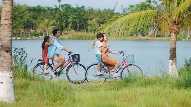 Chưa kịp đặt tour du lịch 30/4-1/5, bạn vẫn có thể trải qua kỳ nghỉ đáng nhớ với 4 địa điểm cắm trại vừa rộng vừa thoáng này: Cùng gia đình khám phá cuộc sống theo cách khác - Ảnh 1.