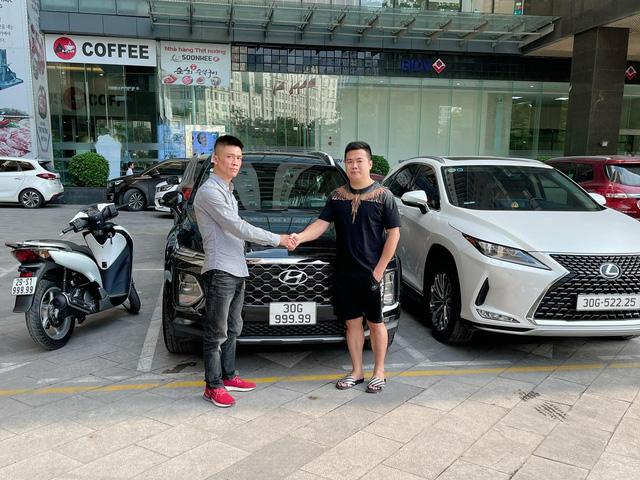 5 chủ xe Hyundai Santa Fe tại Hà Nội ẵm 5 biển ngũ quý, sang tay nhanh thu về đôi ba tỷ đồng mỗi chiếc - Ảnh 1.