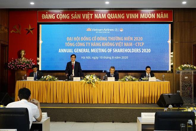 Vietnam Airlines: Lỗ hơn 11.000 tỷ, Ban lãnh đạo nhận thù lao 6,5 tỷ đồng - Ảnh 2.