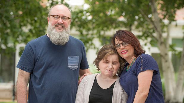 Nổ súng vào mặt tự tử nhưng bất thành, cô gái xinh đẹp khiến khuôn mặt mình bị phá huỷ và diện mạo sau 6 năm gây ngỡ ngàng - Ảnh 11.