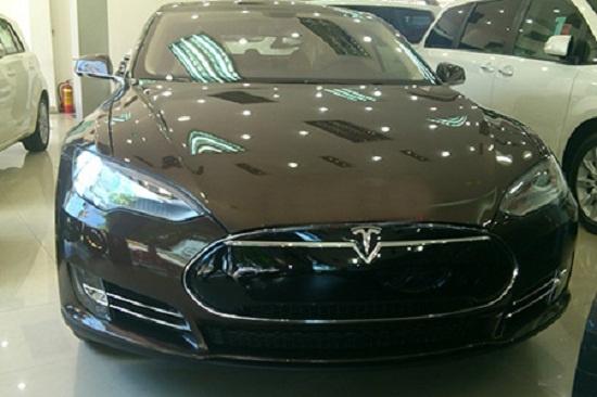 5 xe điện xuất hiện ở Việt Nam trước Vinfast rất lâu: Xót xa nhất lại chính là số phận 2 chiếc Tesla - Ảnh 11.