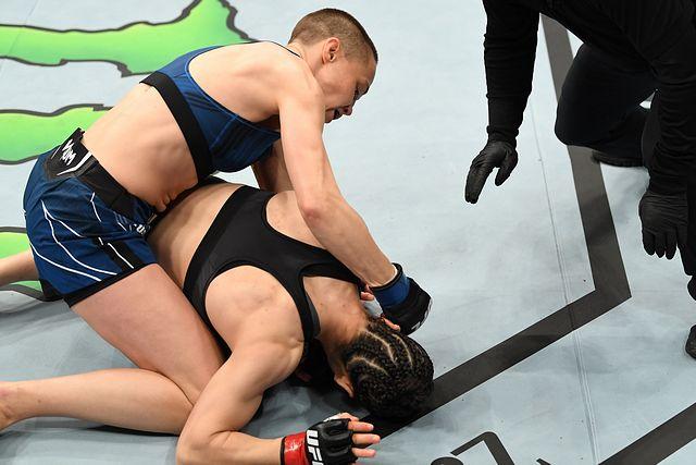 Sau lời tiên tri của Mike Tyson, võ sĩ MMA số một Trung Quốc thua ngỡ ngàng cao thủ Mỹ - Ảnh 4.