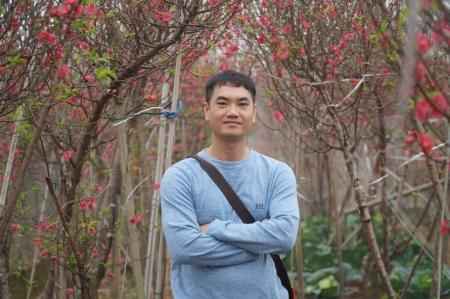 Chân dung Youtuber quảng bá ẩm thực Việt méo mó, bị chỉ trích 2 lần trên Thời sự VTV - Ảnh 1.