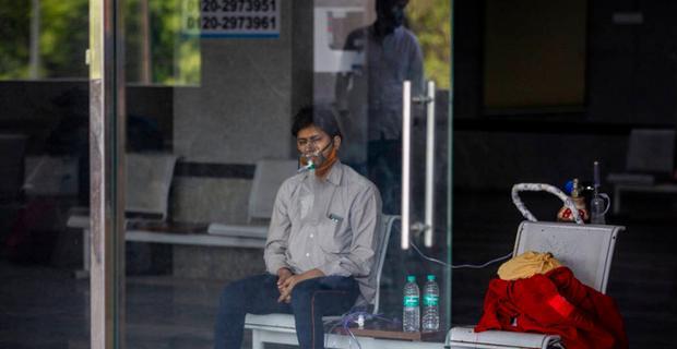 Sự chậm trễ của Ấn Độ trong việc chuẩn bị nguồn oxy y tế khiến cho nguồn cung oxy thiếu trầm trọng - Ảnh 1.