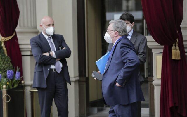 Ngoại trưởng Iran cáo buộc sốc: Nga đâm sau lưng, đẩy Tehran làm mồi để cứu Moskva và Bắc Kinh - Ảnh 1.
