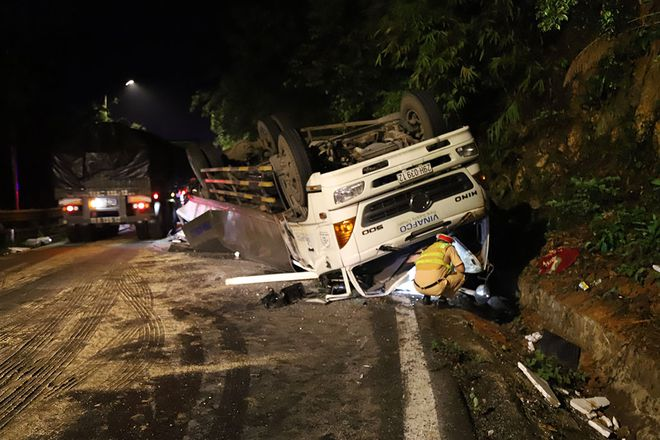Hiện trường vụ tai nạn kinh hoàng, xe tải tông 2 nữ sinh tử vong tại chỗ - Ảnh 4.