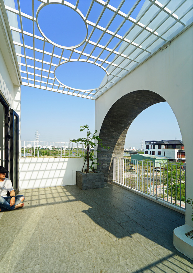 Sở hữu lô đất có vị thế đẹp, vợ chồng Đà Nẵng xây ngôi nhà nhỏ nhưng xuất sắc đến mức lên cả báo Mỹ - Ảnh 16.