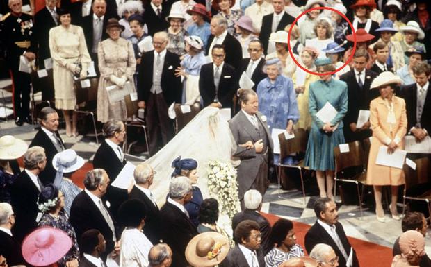 """Những khoảnh khắc hiếm có Công nương Diana chung khung hình cùng bà Camilla - """"kẻ thứ 3"""" gây ám ảnh suốt 15 năm hôn nhân bi kịch - Ảnh 6."""
