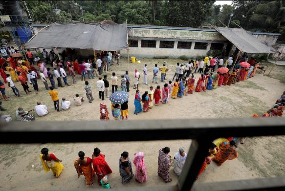 Ấn Độ: Bác sĩ phù thủy dùng sắt nung đóng dấu lên người bệnh nhân để chữa COVID-19 - Ảnh 3.