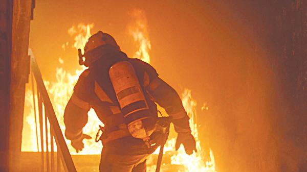 Cấp cứu trong hỏa hoạn để tránh bị chết cháy - Ảnh 1.
