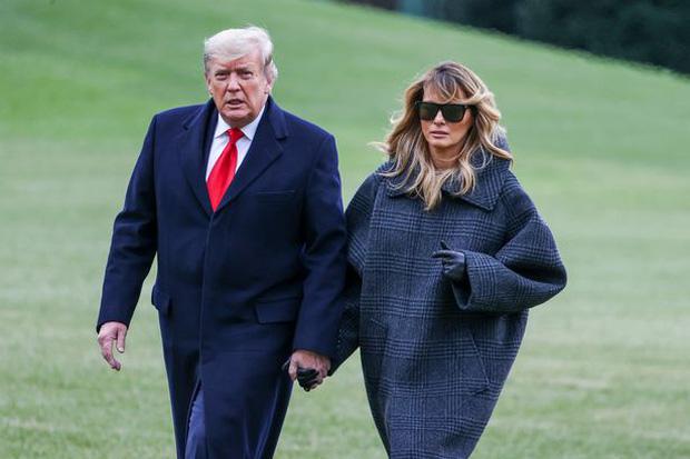 Hóa ra tin đồn cựu Tổng thống Mỹ Donald Trump và phu nhân ngủ riêng phòng là có thật, nhưng lý do đằng sau lại khác xa đồn đoán - Ảnh 2.