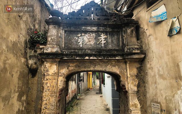 Cận cảnh biệt thự Pháp cổ hơn 100 năm của đại gia làng miến nức tiếng một thời ở Hà Nội - Ảnh 1.