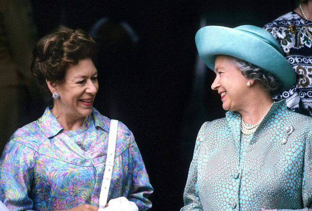 Nữ hoàng Anh nhân nhượng và bỏ qua cho Harry hết lần này đến lần khác dù bị cháu trai phản bội, hóa ra xuất phát từ một lý do đau lòng - Ảnh 2.