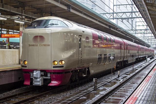 Có gì bên trong chuyến tàu xuyên đêm duy nhất còn sót lại ở Nhật Bản khiến khách du lịch phải thốt lên Không đi thì phí? - Ảnh 1.