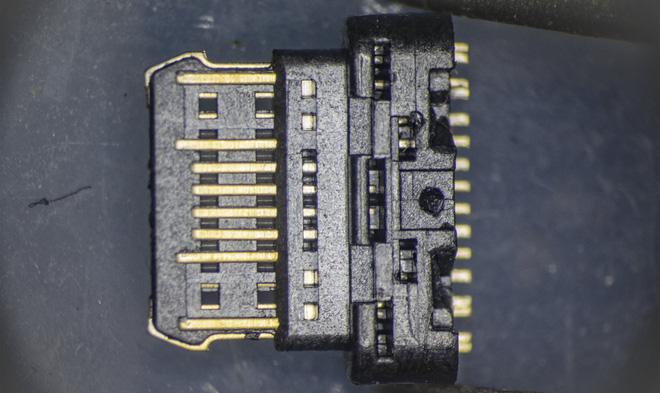 So sánh đầu nối USB-C loại 1 nghìn đồng và 5 nghìn đồng dưới kính hiển vi: đắt hơn gấp 5 nhưng chất lượng có hơn tương xứng? - Ảnh 10.