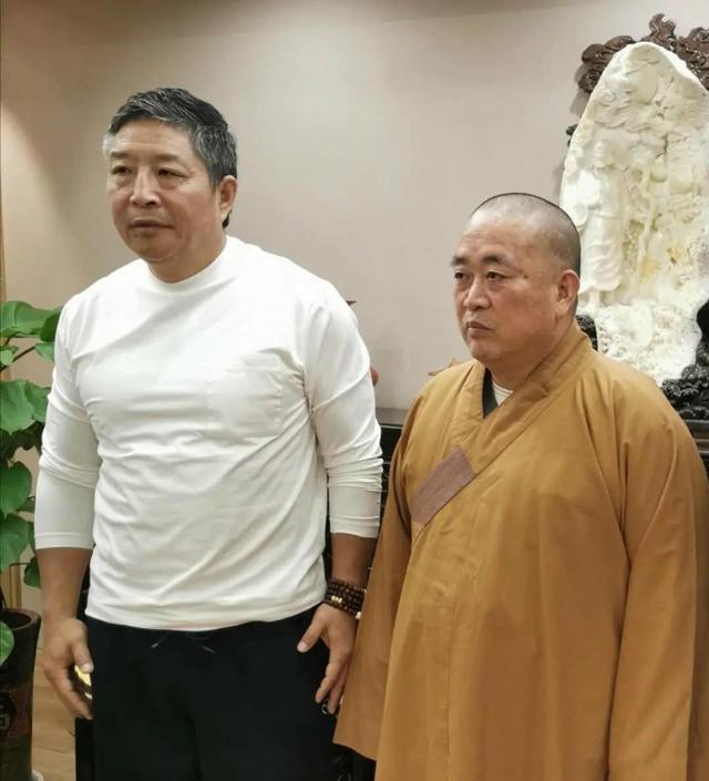 """Phương trượng Thiếu Lâm Tự làm trọng tài trận tỉ thí giữa Yi Long với """"Vua Thái Cực Quyền"""" - Ảnh 1."""