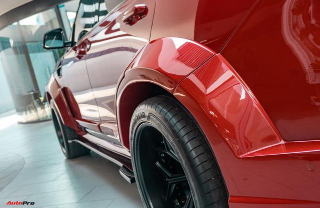 Chủ xe Bình Phước chi hàng trăm triệu độ VinFast Lux SA2.0: Ngoại hình như siêu SUV, công suất tăng 32 mã lực, riêng bộ mâm 100 triệu đồng - Ảnh 11.