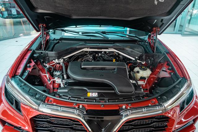 Chủ xe Bình Phước chi hàng trăm triệu độ VinFast Lux SA2.0: Ngoại hình như siêu SUV, công suất tăng 32 mã lực, riêng bộ mâm 100 triệu đồng - Ảnh 22.