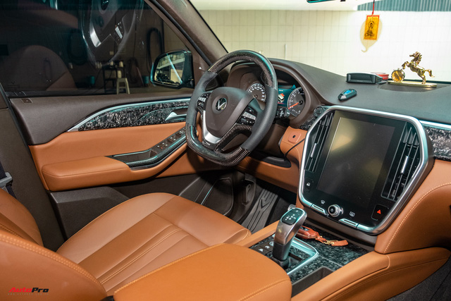 Chủ xe Bình Phước chi hàng trăm triệu độ VinFast Lux SA2.0: Ngoại hình như siêu SUV, công suất tăng 32 mã lực, riêng bộ mâm 100 triệu đồng - Ảnh 23.