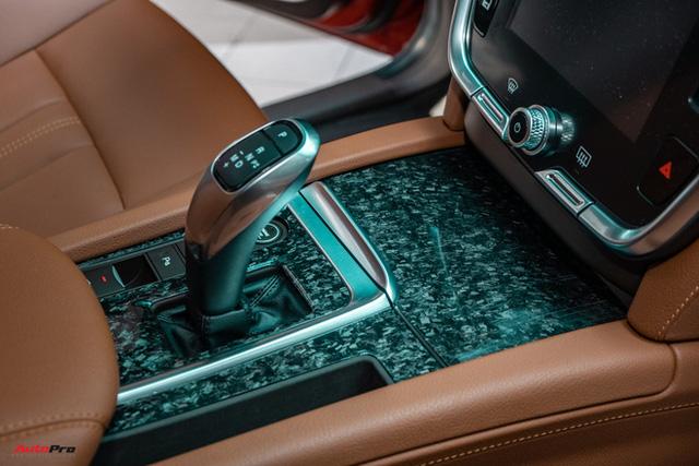 Chủ xe Bình Phước chi hàng trăm triệu độ VinFast Lux SA2.0: Ngoại hình như siêu SUV, công suất tăng 32 mã lực, riêng bộ mâm 100 triệu đồng - Ảnh 24.