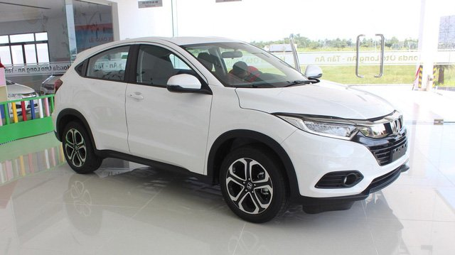 Hyundai Santa Fe đại hạ giá, giảm sốc 110 triệu đồng - Ảnh 2.
