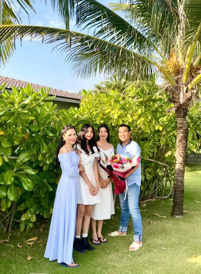 Sắc vóc tuổi 16 gây chú ý của ái nữ nhà MC Quyền Linh và bà xã đại gia - Ảnh 2.