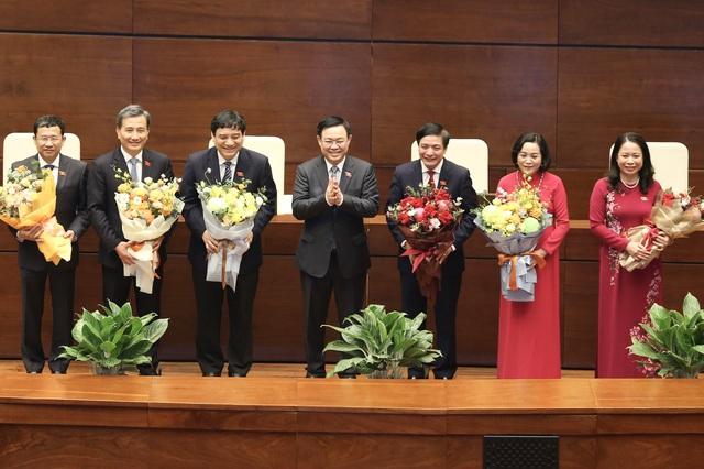 Thực hiện quy trình phê chuẩn miễn nhiệm một số Phó Thủ tướng và Bộ trưởng - Ảnh 1.