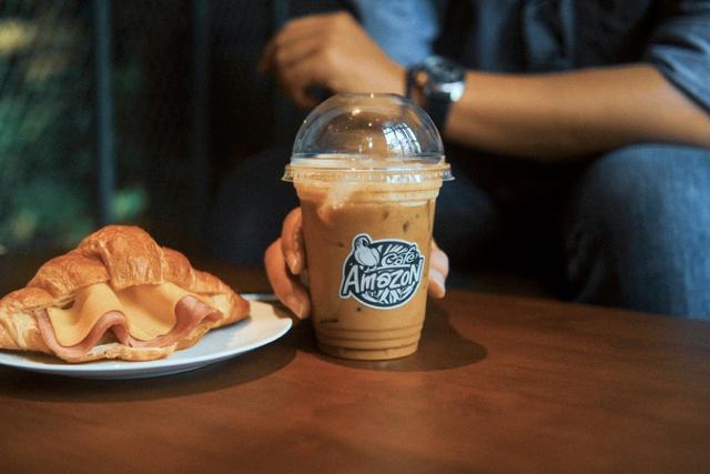 Chuỗi Café Amazon lớn nhất Thái Lan đổ bộ Việt Nam với 5 cửa hàng: Menu dành riêng cho khách Việt có cà phê đen, bạc xỉu đá, trà đào, trà vải... - Ảnh 5.