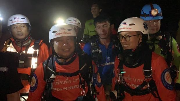Trên đường hành hương, nhà sư Thái Lan bị mắc kẹt 3 ngày trong động lớn ngập nước và cuộc giải cứu ngoạn mục của 17 thợ lặn - Ảnh 7.