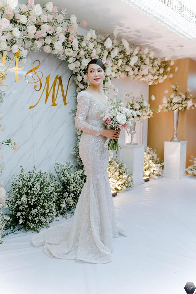 Dàn nghệ sĩ Việt dự đám cưới ca sĩ Mỹ Ngọc với chồng đại gia hơn 12 tuổi - Ảnh 3.