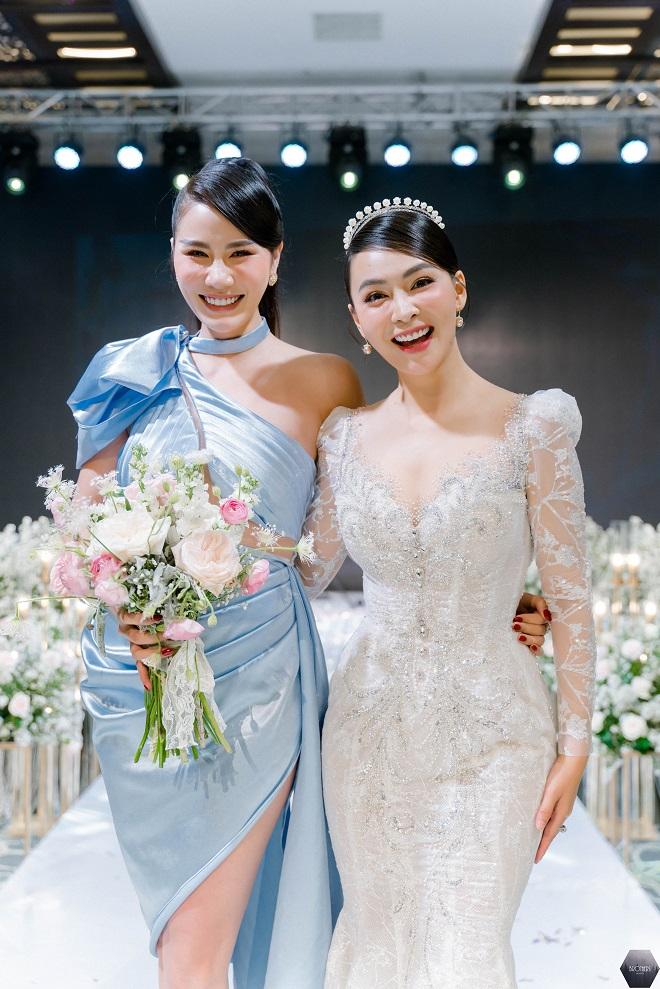 Dàn nghệ sĩ Việt dự đám cưới ca sĩ Mỹ Ngọc với chồng đại gia hơn 12 tuổi - Ảnh 9.