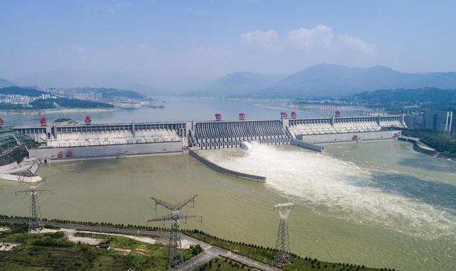 Đập Tam Hiệp là đập thủy điện lớn nhất thế giới: Đâu là cái giá thiên nhiên phải gánh chịu cho công trình này? - Ảnh 1.